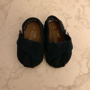 Toms: Navy Blue Size T2